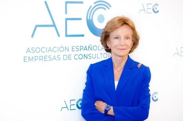 Elena Salgado, presidenta de la Asociación Española de Empresas de Consultoría (AEC).