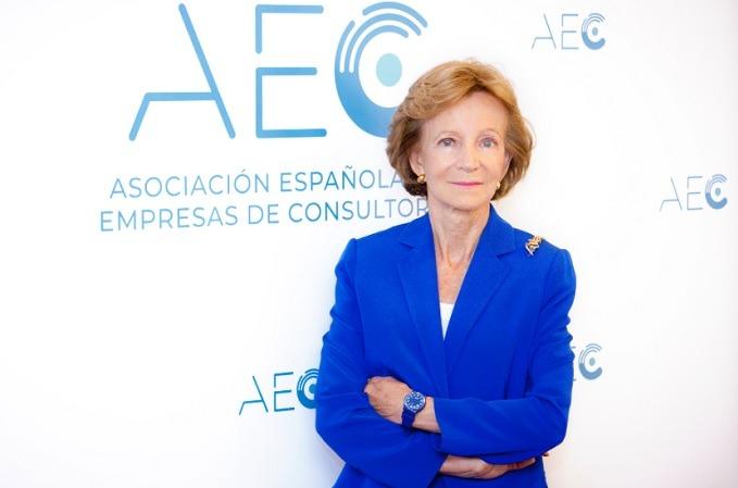 Elena Salgado, de la AEC.