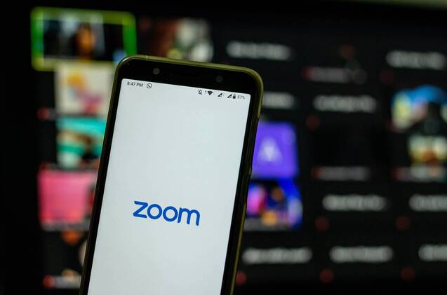 Un smartphone con Zoom.