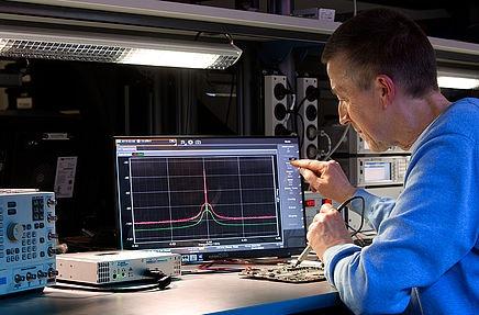 """Narda """"abre"""" su analizador de espectros en tiempo real."""