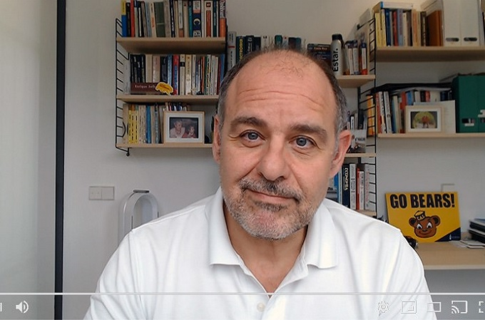 Enrique Solbes durante una sesión reciente de videoconferencia