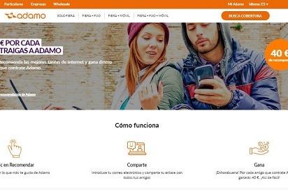 Adamo presenta el programa Conectado Amigos para captar clientes.
