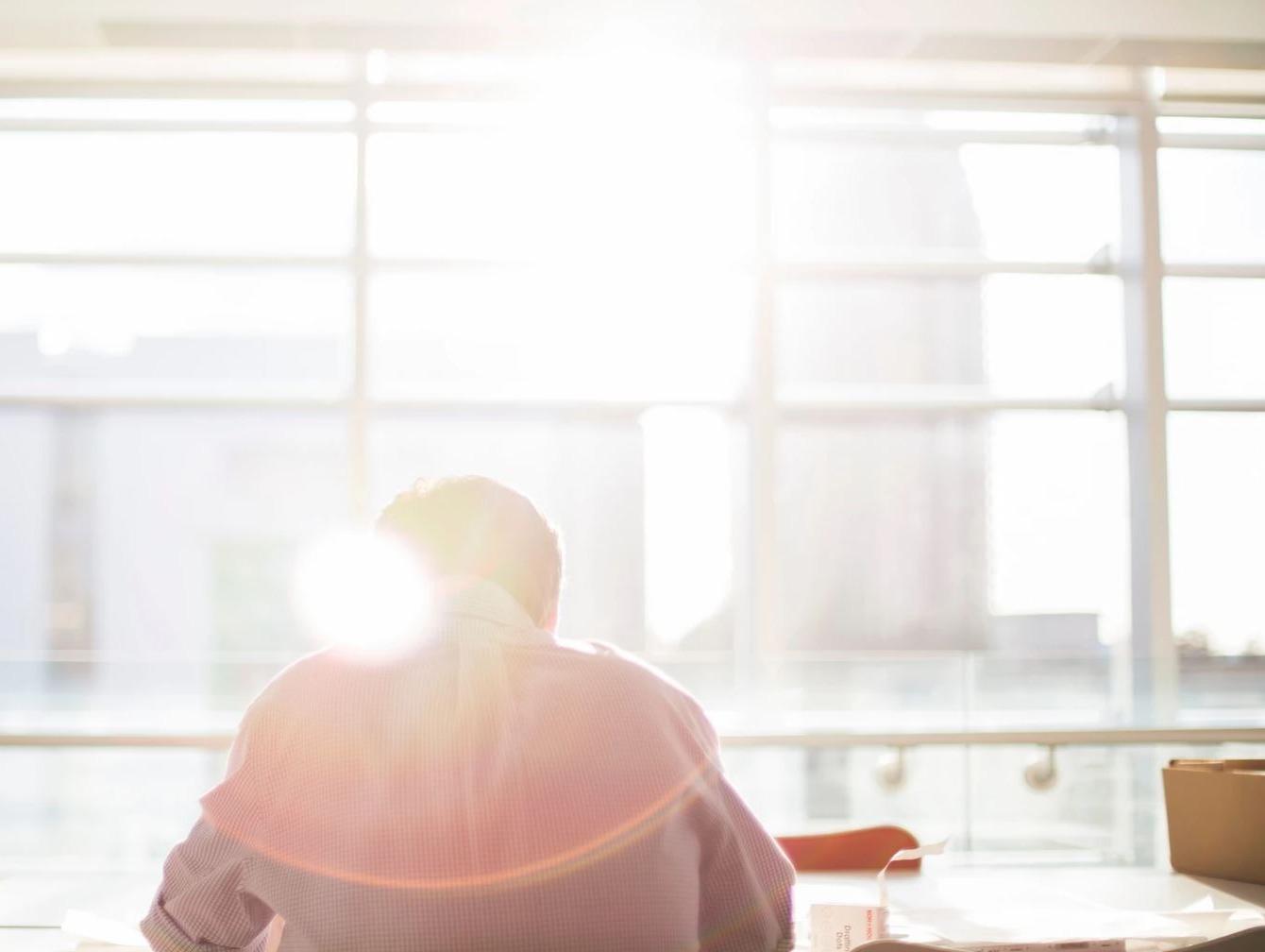 Mantener el aire limpio en las oficinas no es un asunto menor