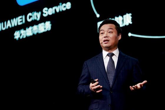 Zhang Ping'an, presidente de Consumer Cloud Service de Huawei CBG, durante su discurso de apertura.