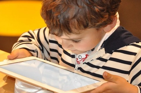 ¿Sabes qué ve tu hijo por Internet?