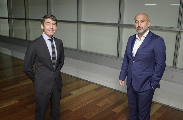 Domingo Mirón de Accenture y Javier de la Cuerda de Enimbos. (Foto Nacho Urbón).