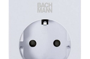 Smart adapter de Bachmann: adaptador inteligente para controlar dispositivos y la Wi-Fi del hogar.