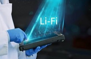 Tableta Getac UX10 con tecnología LiFi integrada.