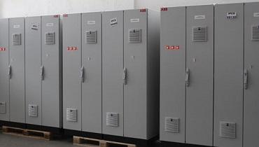 Rittal implanta armarios eléctricos de control en una refinería en Omán