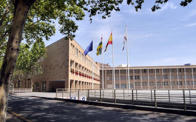 Ayuntamiento de Logroño (foto Wikemedia Commons, autor Jinus)