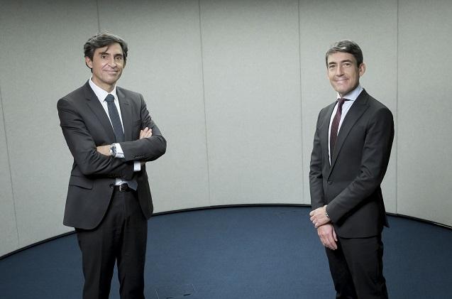 César Cid de Arca y Domingo Mirón de Accenture (Foto: Nacho Urbón)