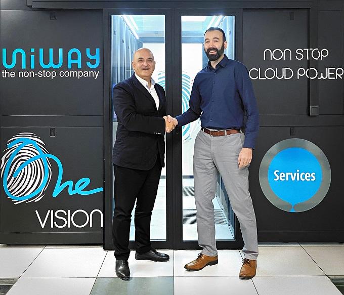 Hassan Kalantari, CEO de Uniway Tecnologies, y Sancho Larena, CEO de Pandora FMS.