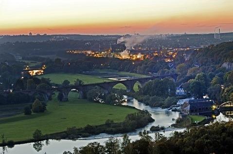 DE-CIX enciende un nuevo punto de intercambio en la región del Ruhr.