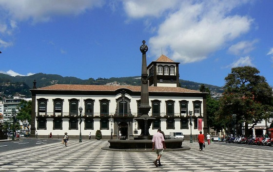 Funchal optimiza la atención al ciudadano con Mitel.