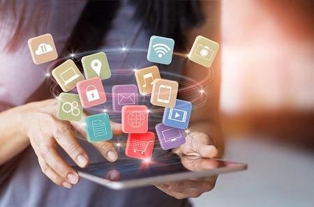 Los canales de comercio conversacional crecerán un 590% en 2025.